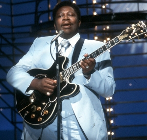 LOS ANGELES - CIRCA 1975: Blues musician BB King performs on the TV show American Bandstand with his Gibson hollowbody electric guitar nicknamed 'Lucille' in circa 1975. (Photo by Michael Ochs Archives/Getty Images)